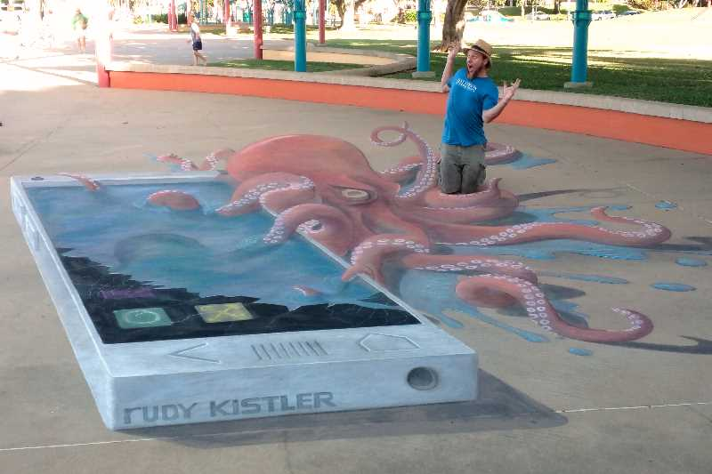 Giant Octopust on The Strand in Townsville