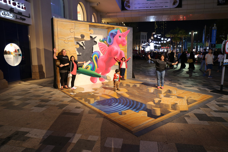 pink pony 3d street art at Dubai Canvas